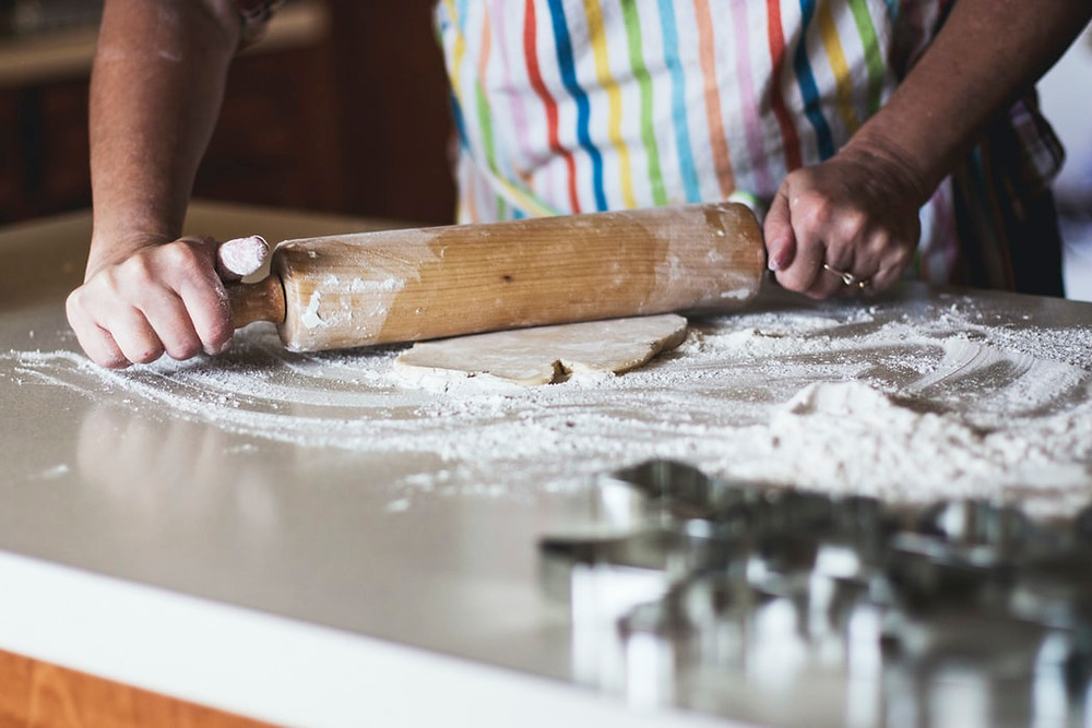 baking pastry chef baker flour rolling pin