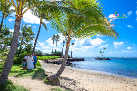 Kahala-beach-in-Hawaii-wedding-1-A-133.jpg