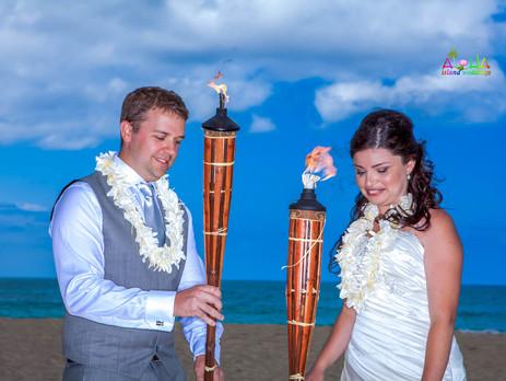SASH + DAVID GORGEOUS BEACH WEDDING ~ OAHU ~ HAWAII