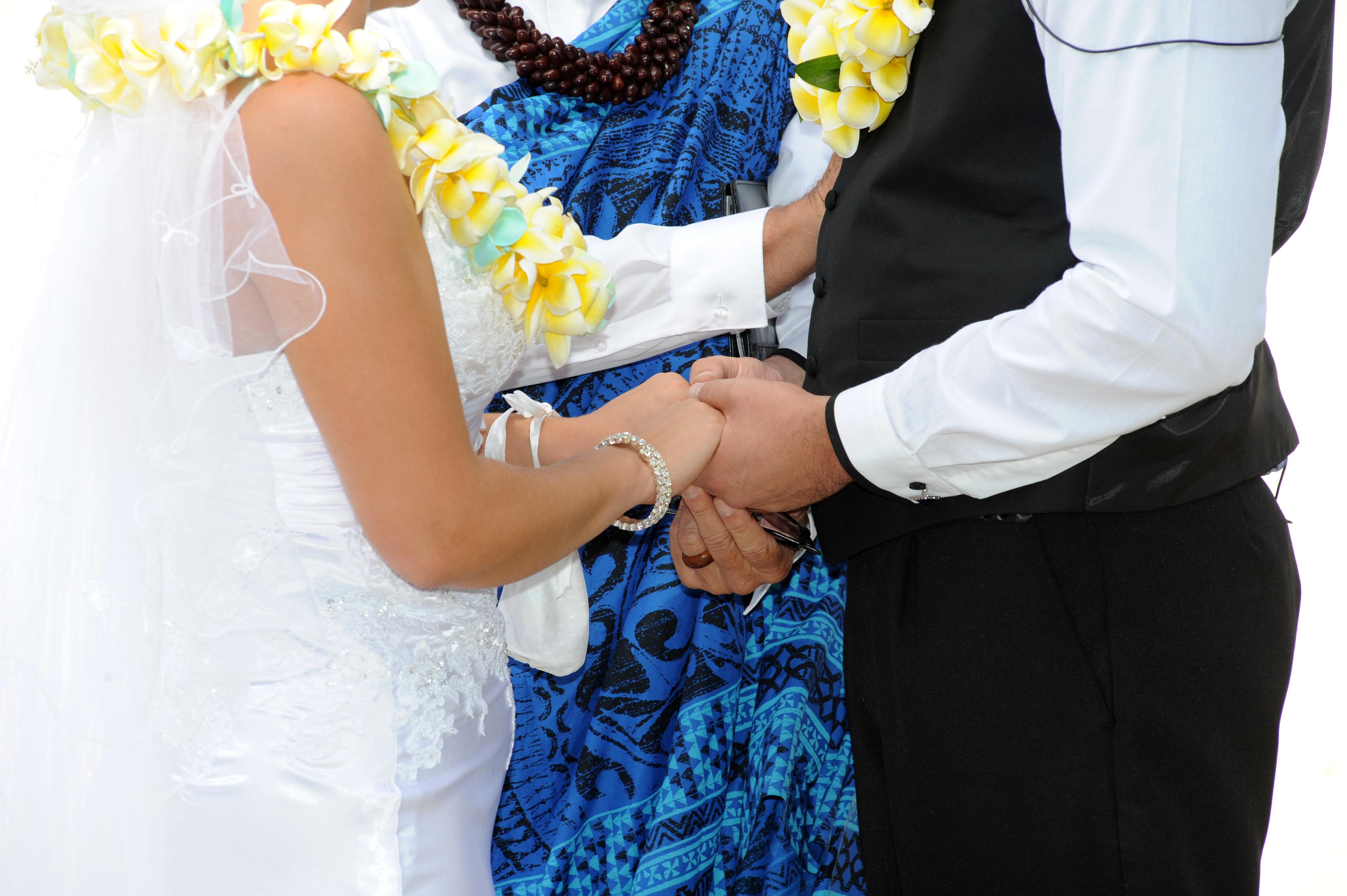 Alohaislandweddings.com- Hawaiian wedding in hawaii-93