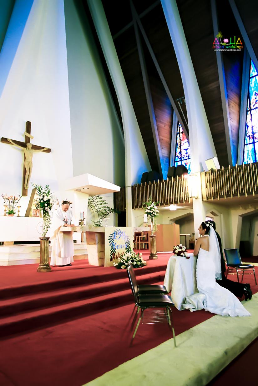 Hawaiian Church Wedding on Oahu-2