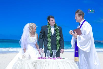 H&T-waimanalo-beach-weddings-2.jpg