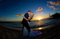 Sunset wedding photos in Hawaii 4