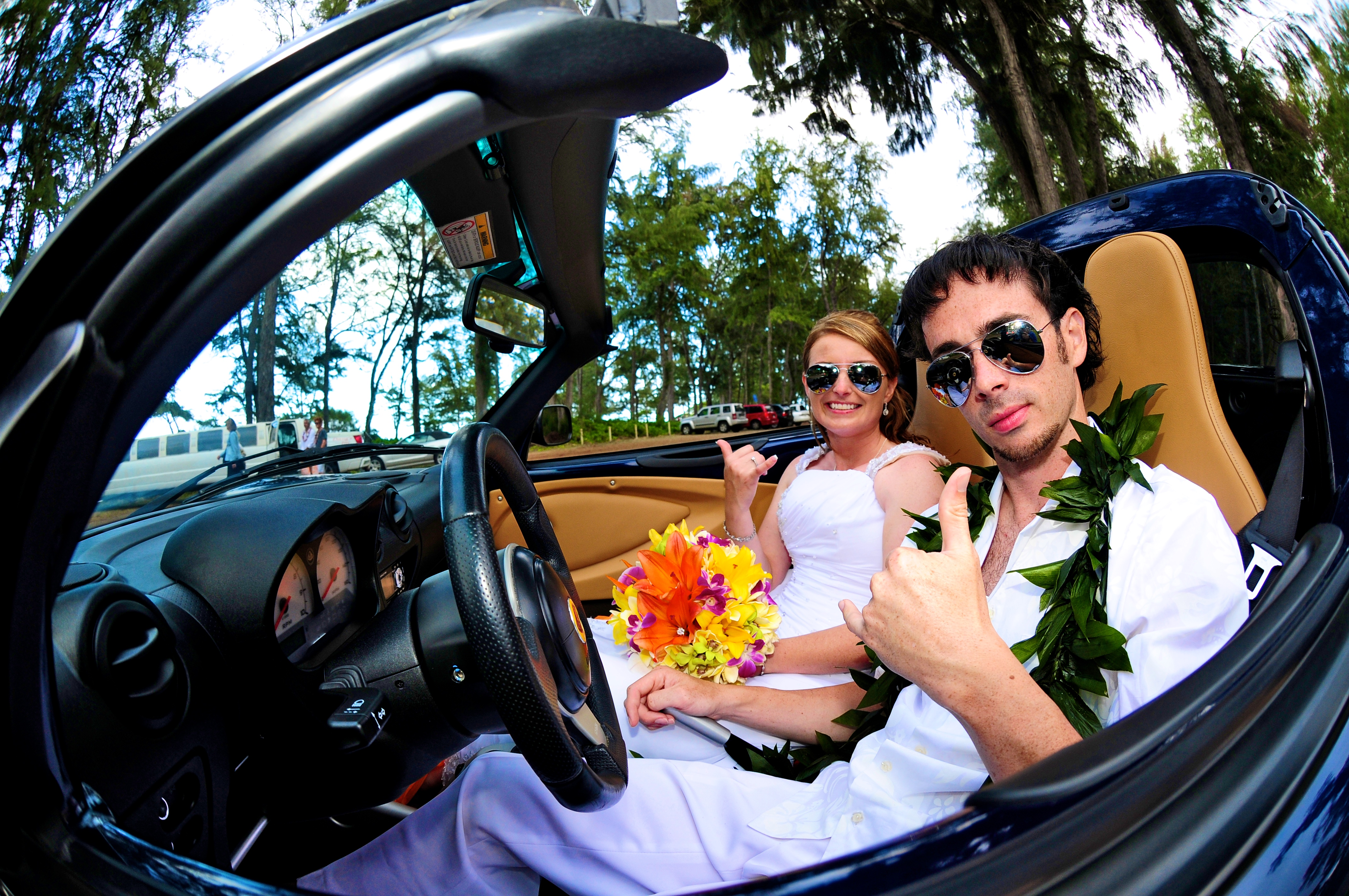 alohaislandweddings- Lotus car -36