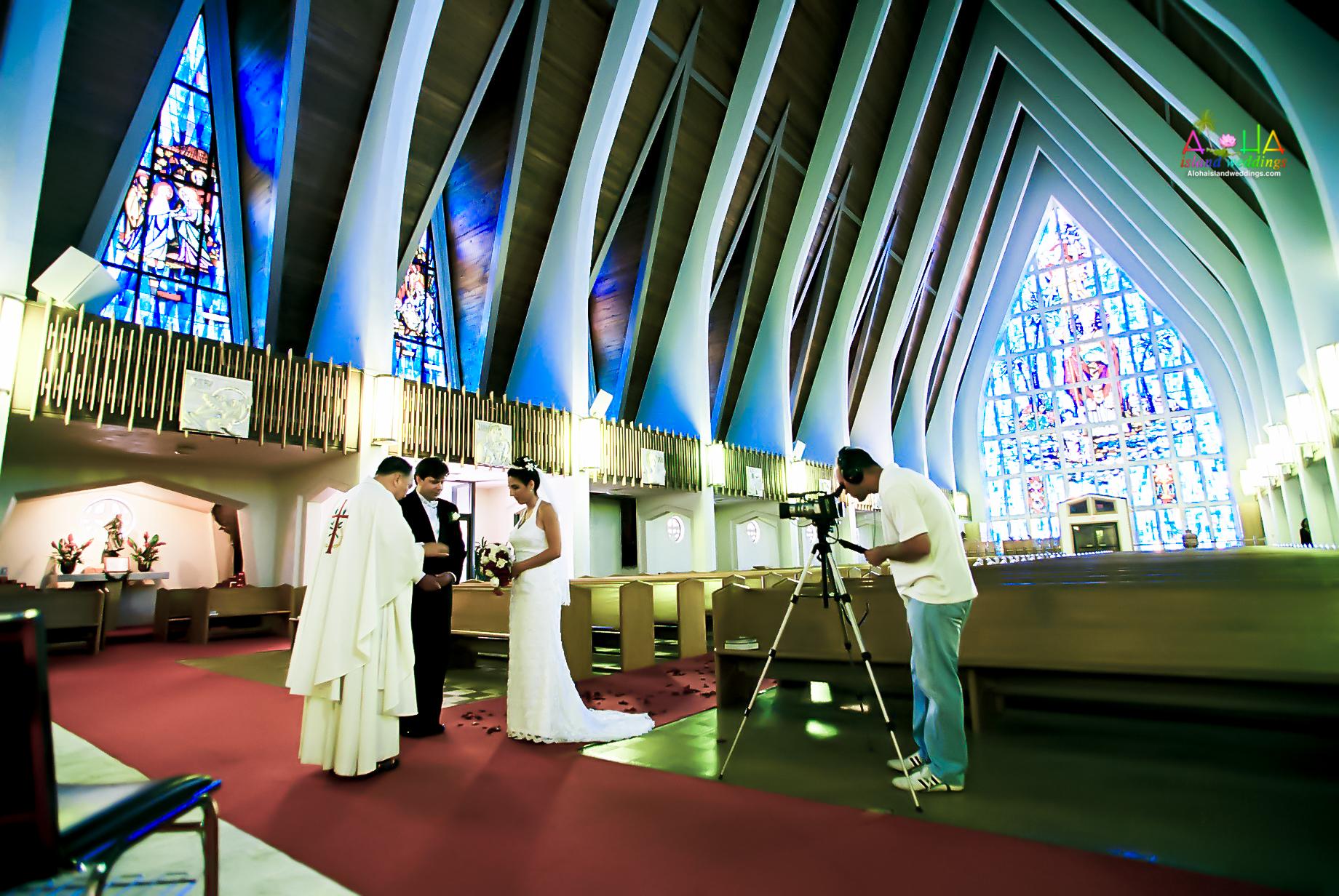 Hawaiian Church Wedding on Oahu-17
