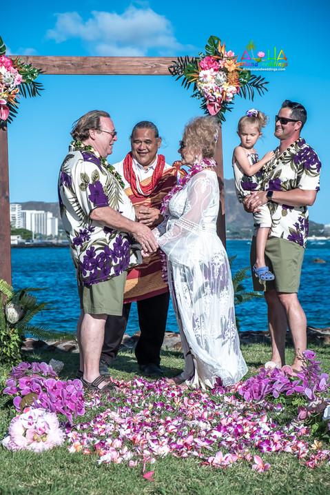 Vowrenewal-magicIsland-Hawaii-1-12.jpg