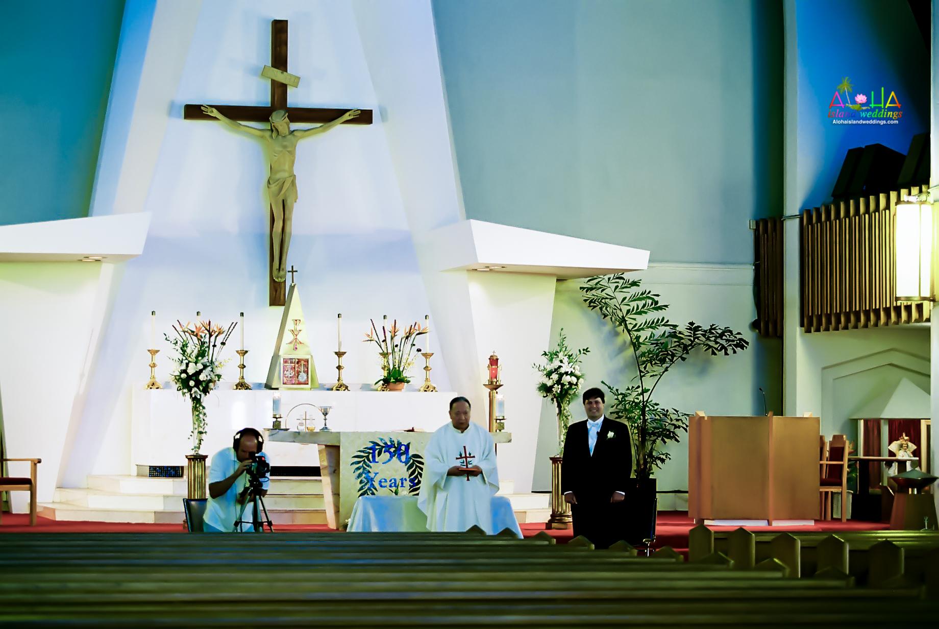 Hawaiian Church Wedding on Oahu-11