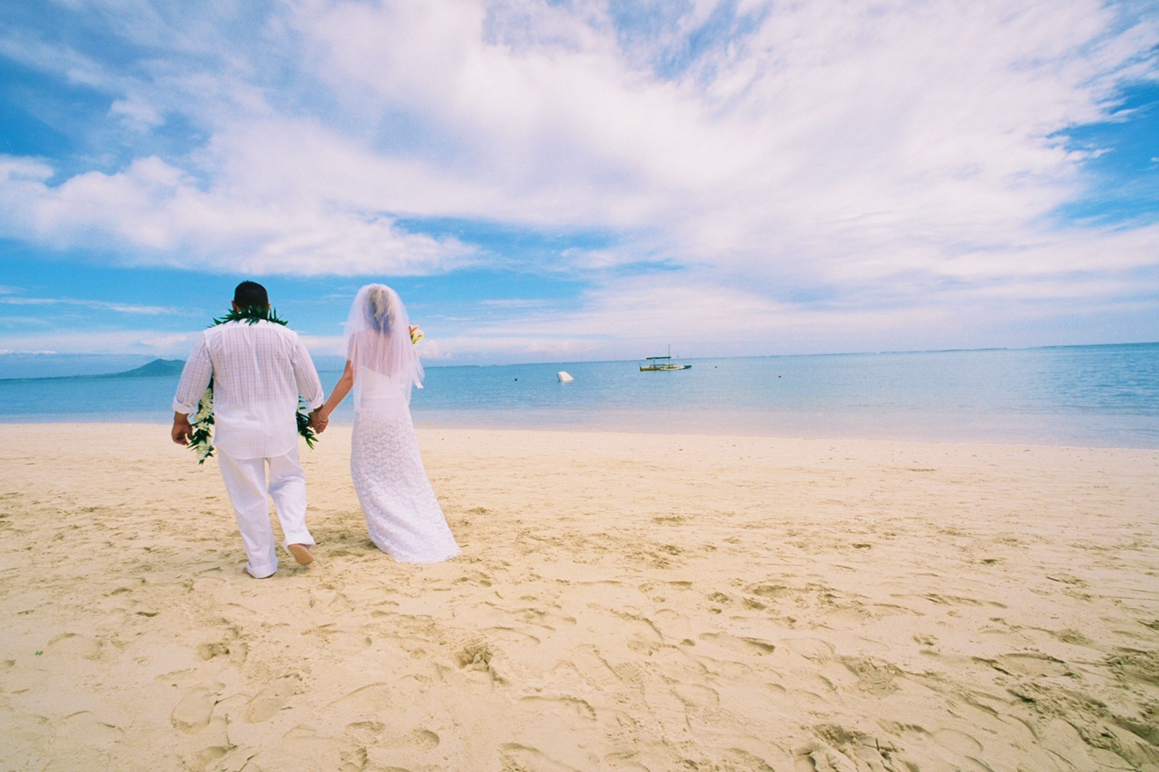 Alohaislandweddings- Lanikai wedding Picture -3