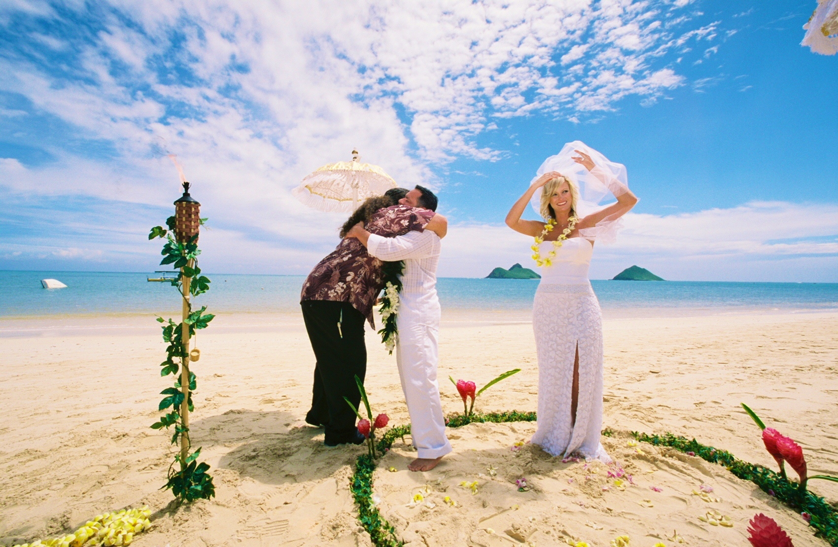 Alohaislandweddings- Lanikai wedding Picture -11
