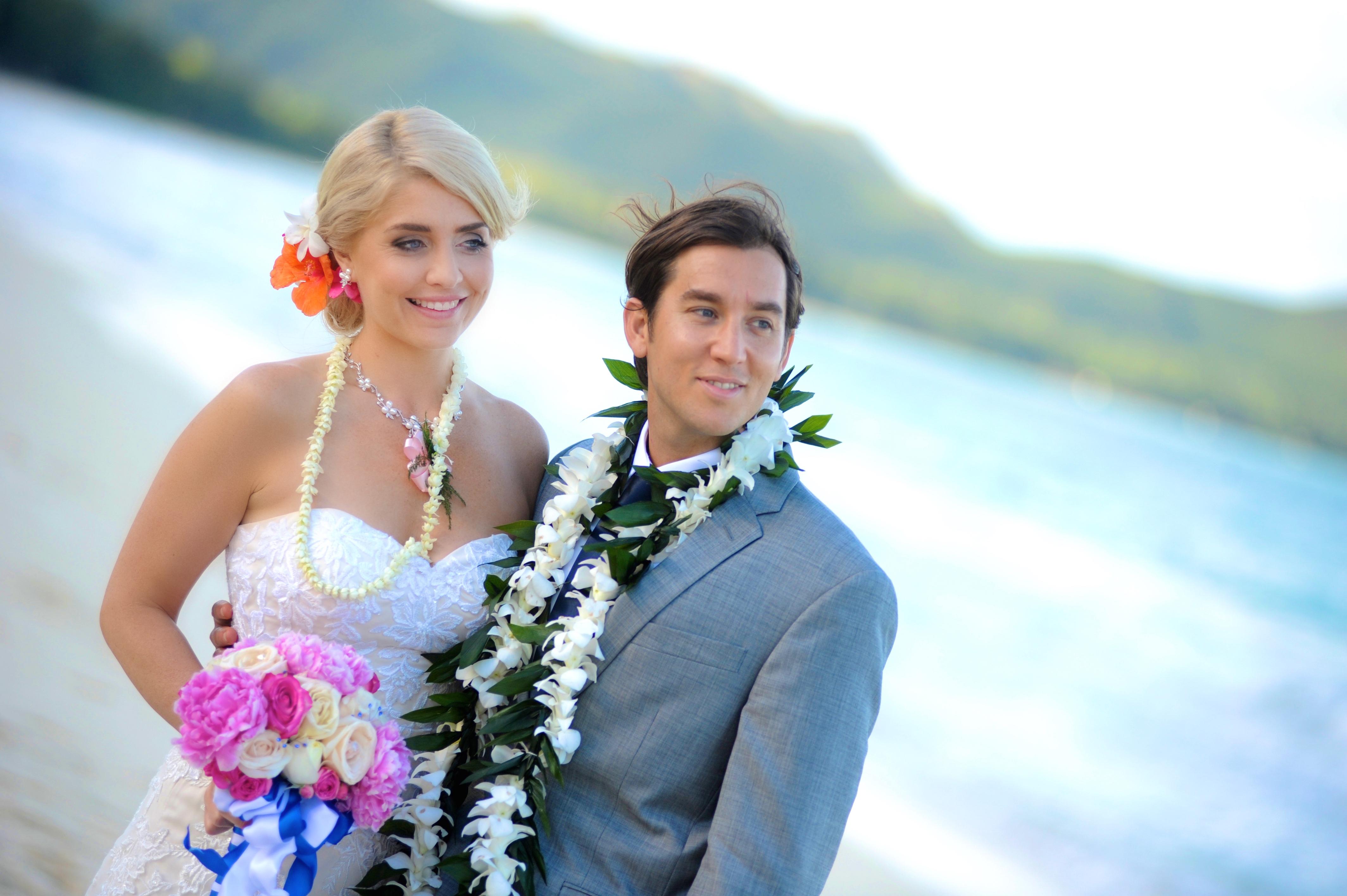 wedding In Hawaii with beautifull bride-10