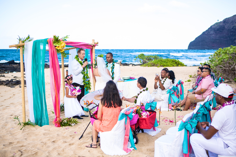 Alohaislandweddings.com- Ohana Oahu wedding-15