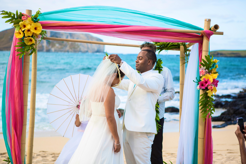 Alohaislandweddings.com- Ohana Oahu wedding-13