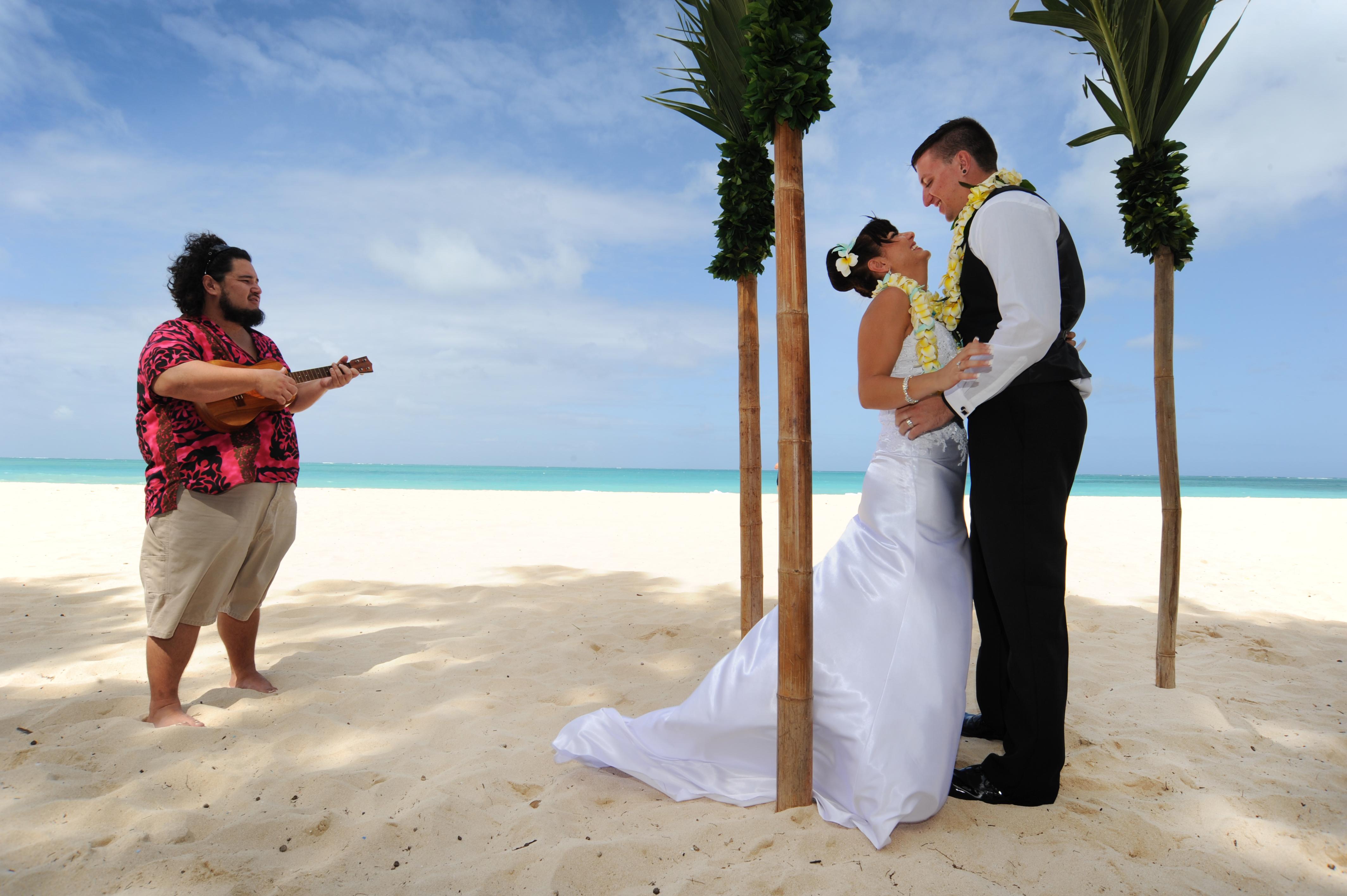 Alohaislandweddings.com- Wedding Picture in Hawaii-5