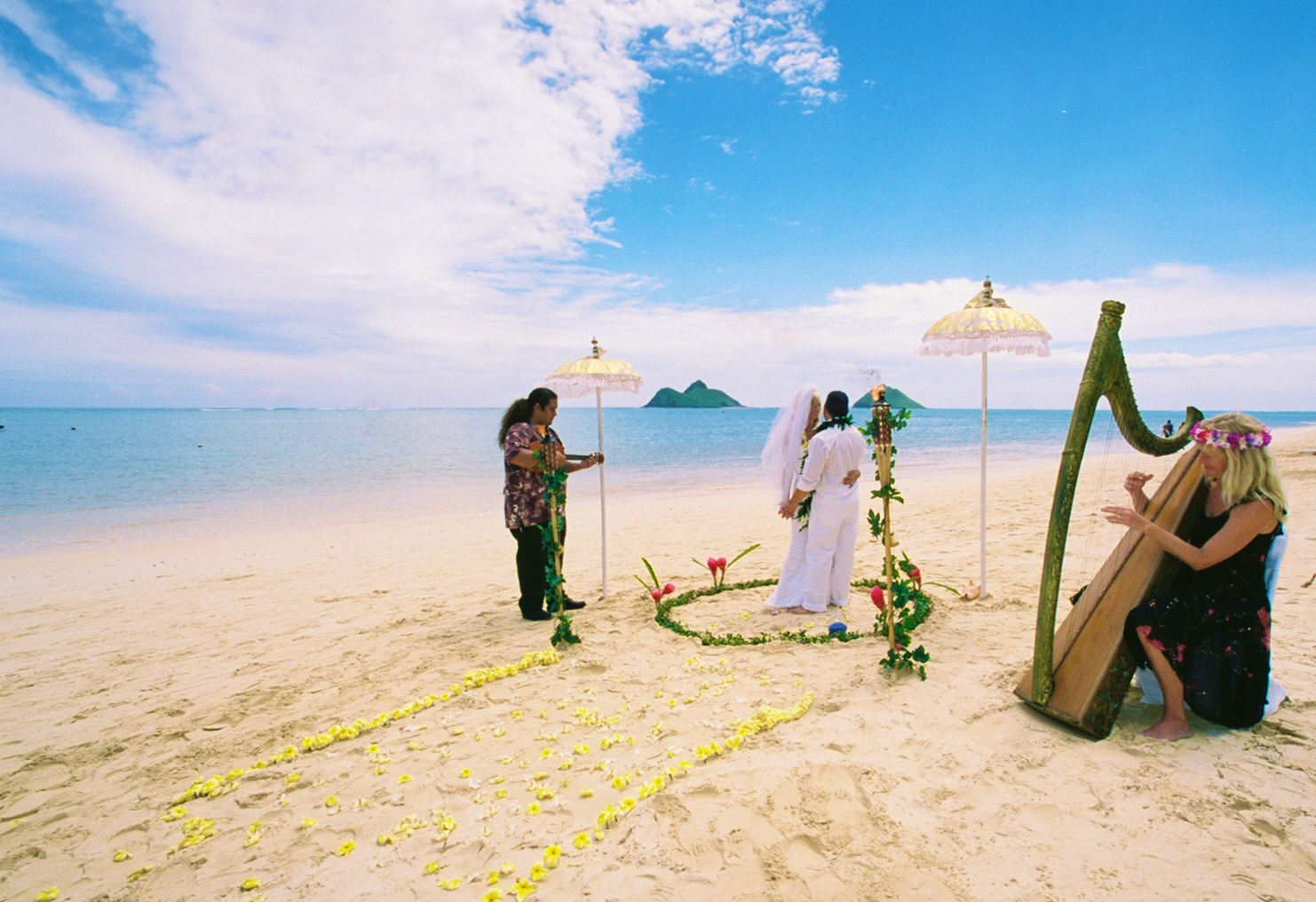 Alohaislandweddings- Lanikai wedding Picture -6