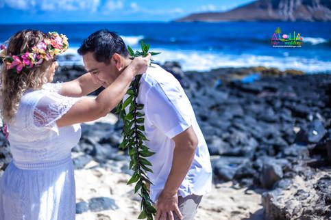 Vowrenewal-wedding-in-Hawaii-1-34.jpg