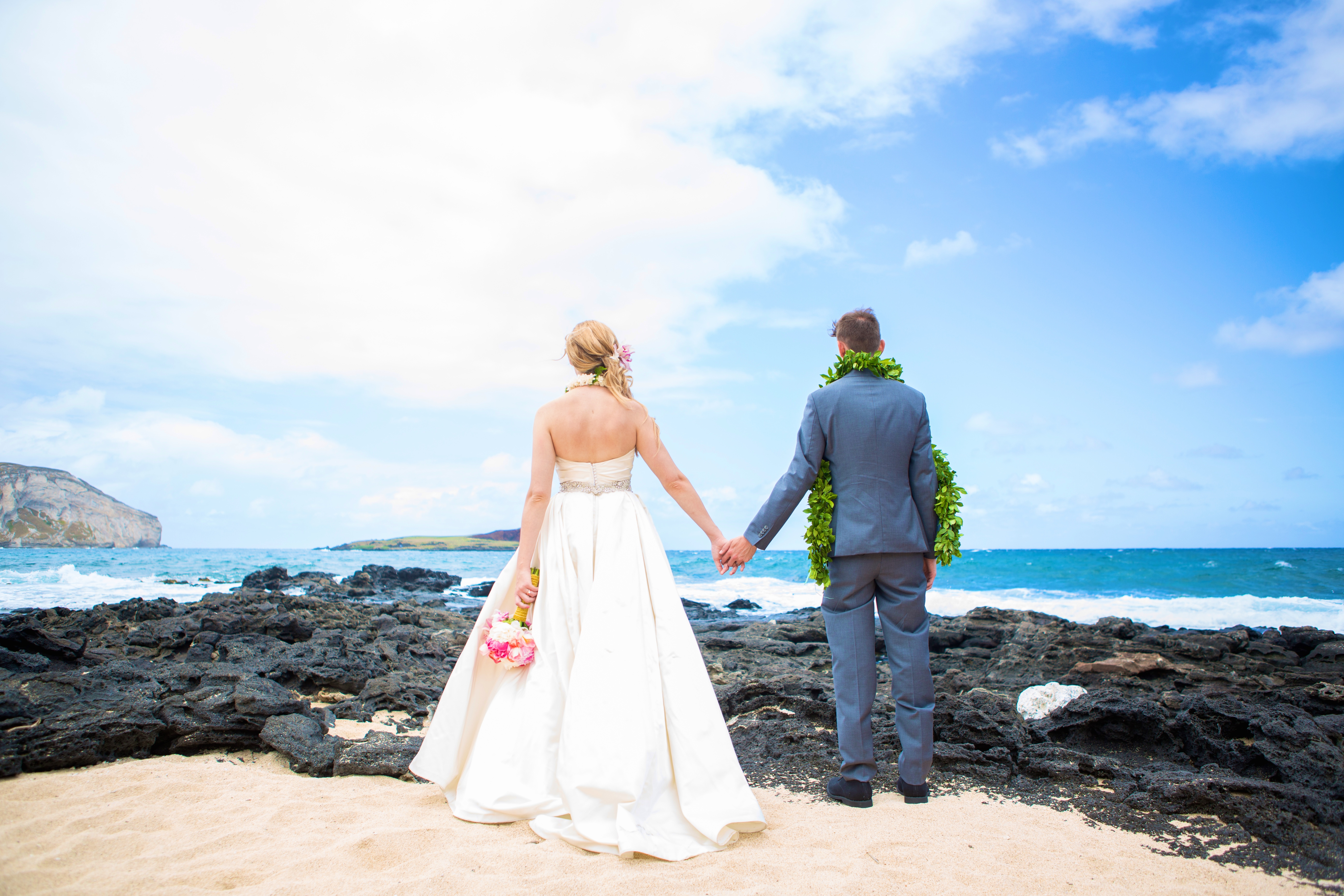 Hawaiian Wedding Pictre Romance -10