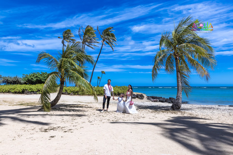 Wedding-Picture-at-Kahala-Beach-1A-426.jpg