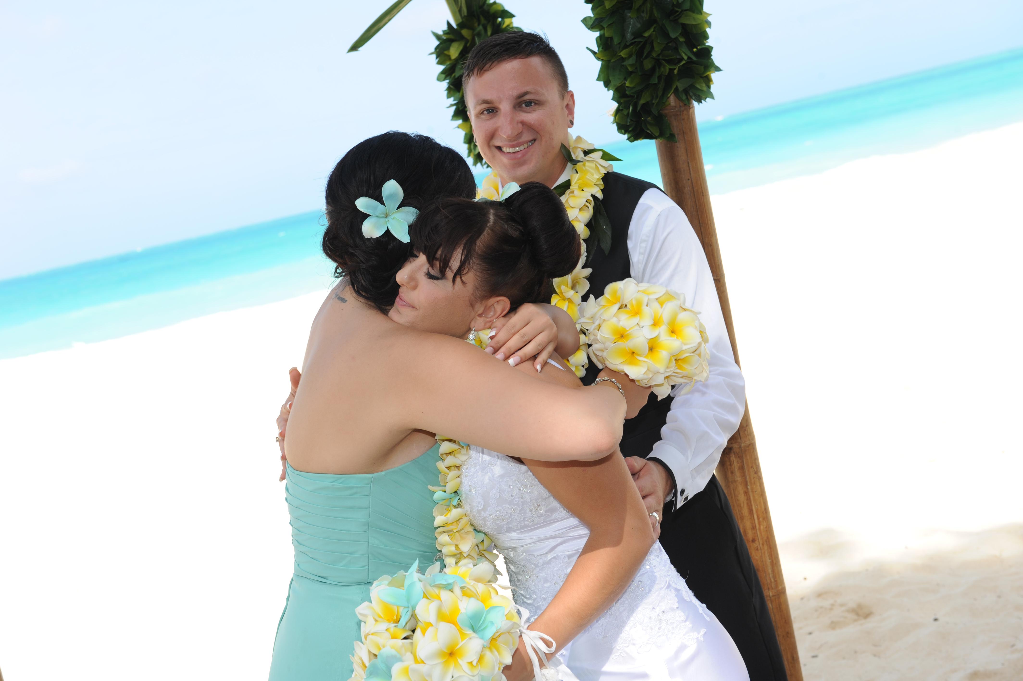 Alohaislandweddings.com- Hawaiian wedding in hawaii-196