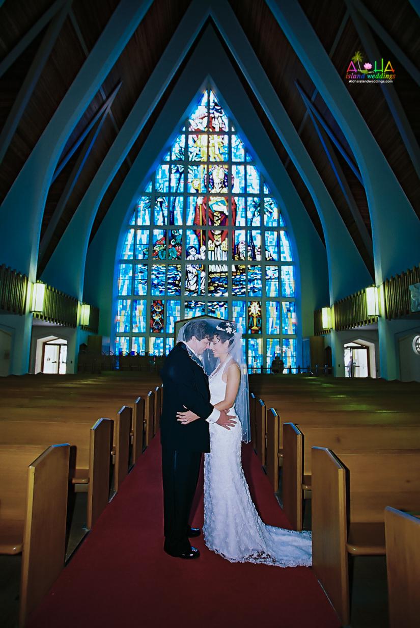 Hawaiian Church Wedding on Oahu-15