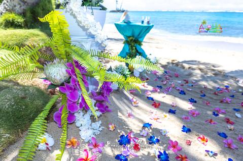 Kahala-resort-beach-in-Hawaii-2-15.jpg