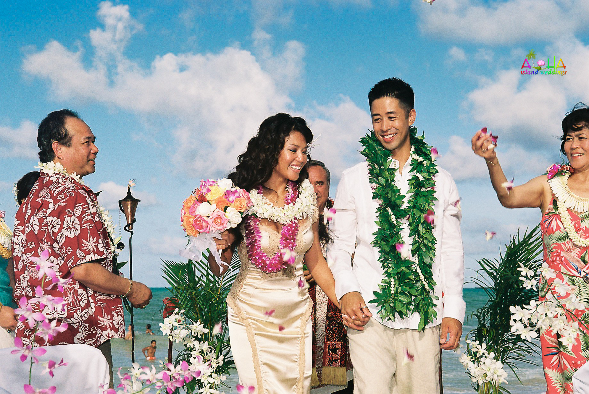 Beach wedding in Kailua-22