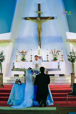 Hawaiian Church Wedding on Oahu-51