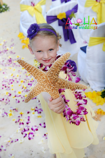 Flowers girl with star fish