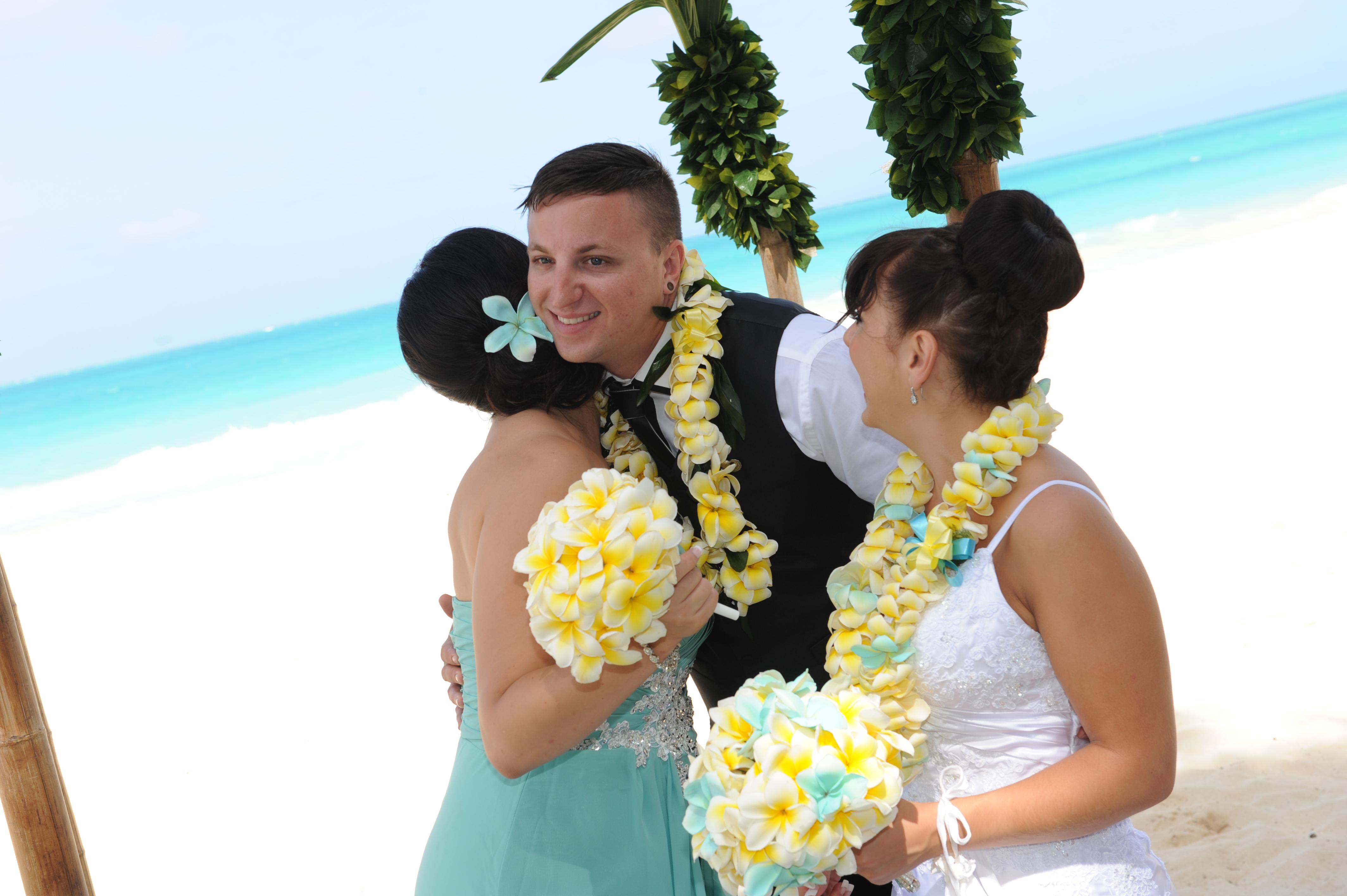 Alohaislandweddings.com- Wedding Picture in Hawaii-4