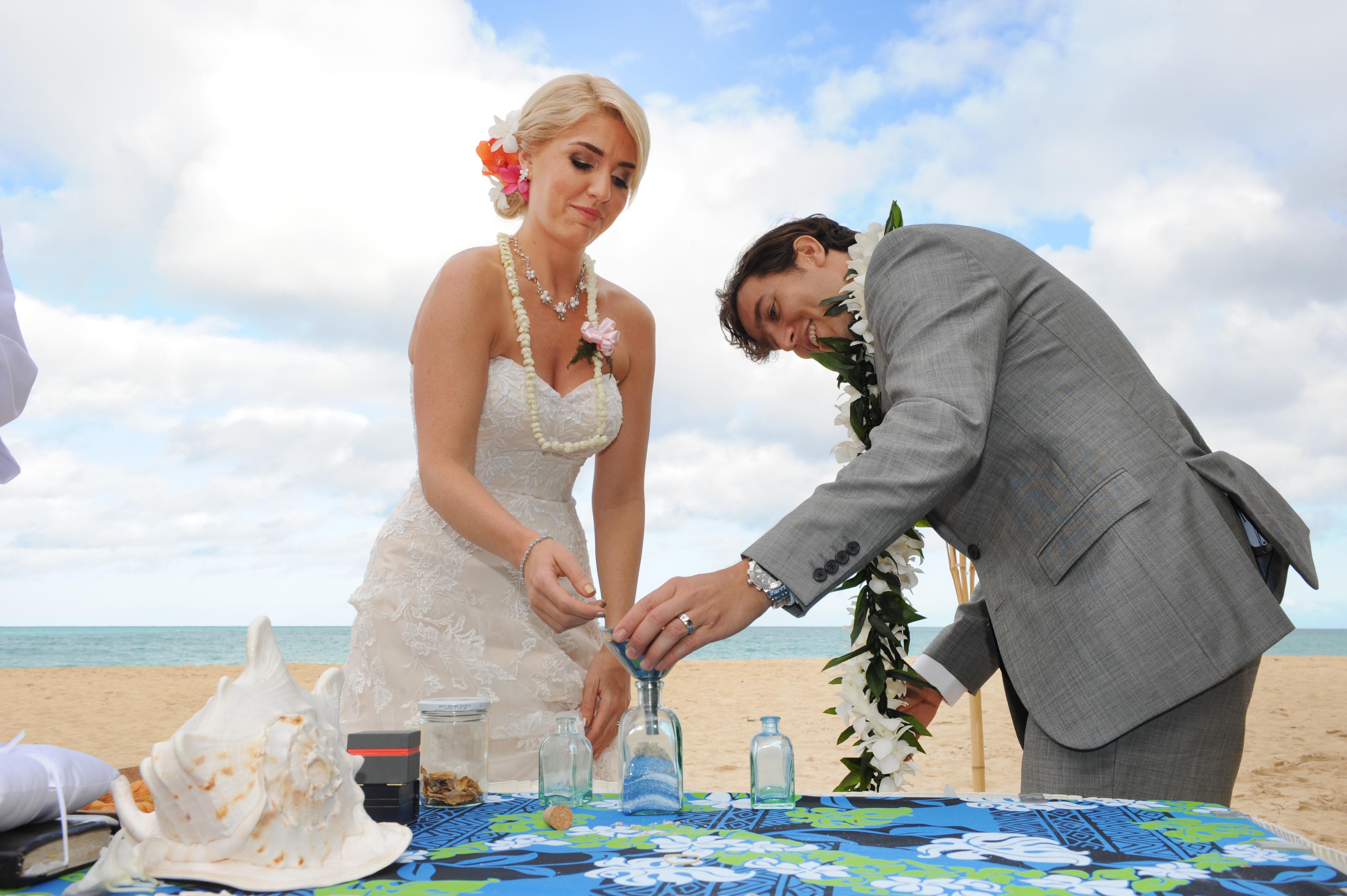 wedding In Hawaii - wedding ceremony-45