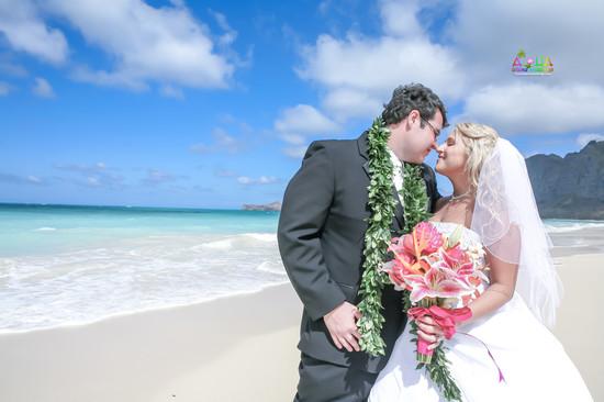 H&T-waimanalo-beach-weddings-1-59.jpg