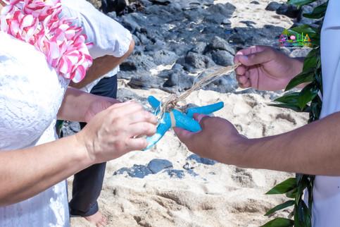 Vowrenewal-wedding-in-Hawaii-1-36.jpg