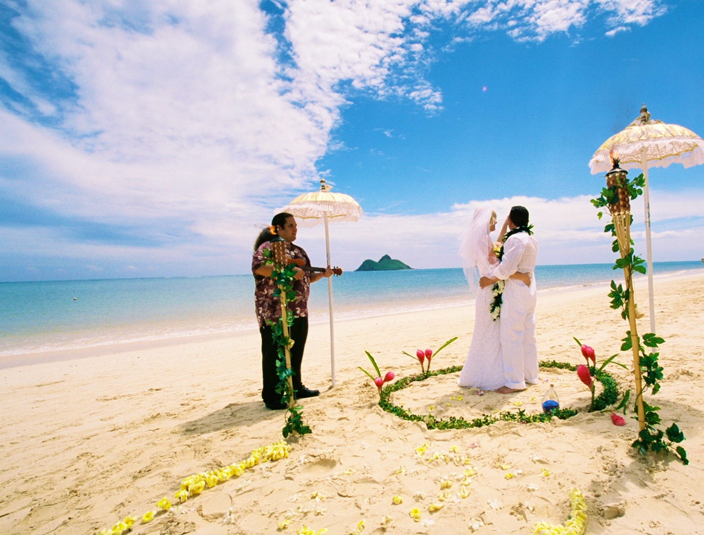 Alohaislandweddings- Lanikai wedding Picture -7