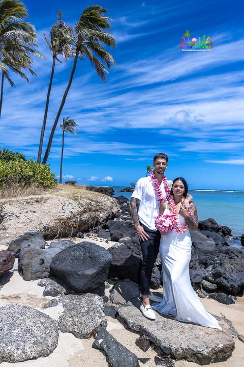 Wedding-Picture-at-Kahala-Beach-1A-369.jpg