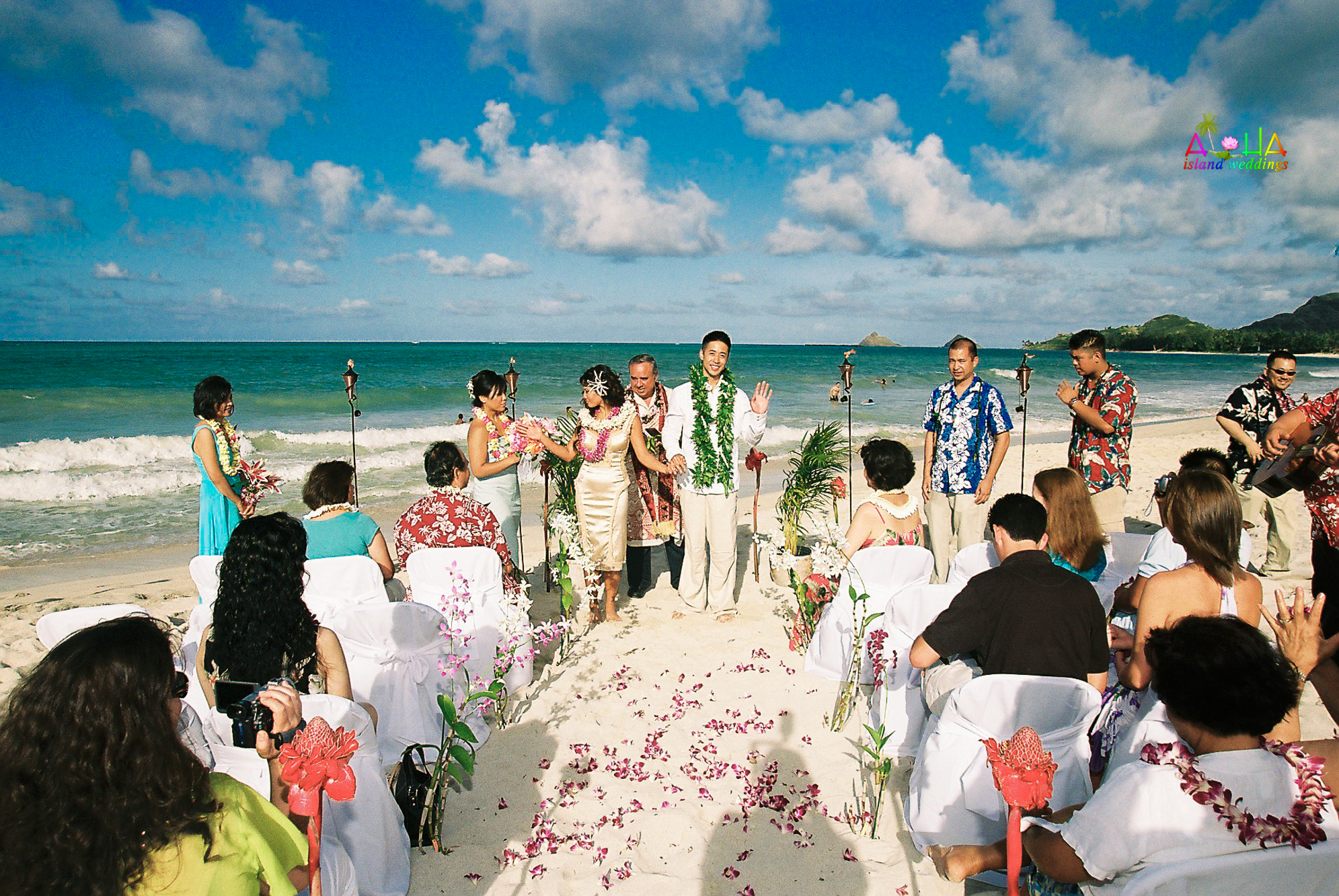 Beach wedding in Kailua-30