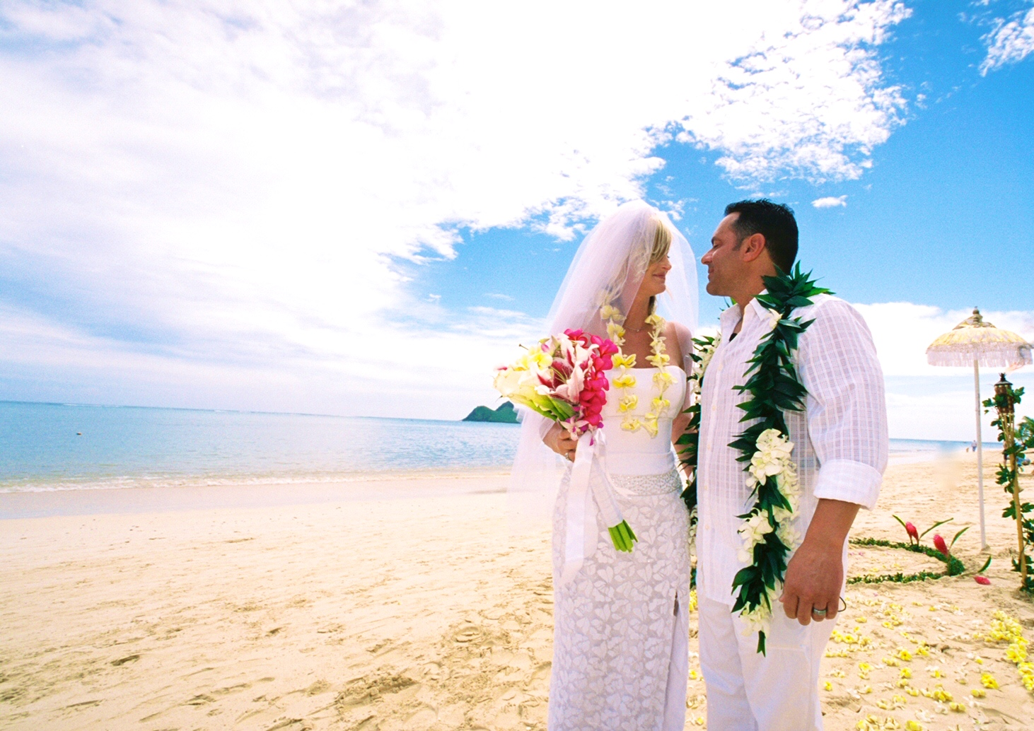 Alohaislandweddings- Lanikai wedding Picture -1