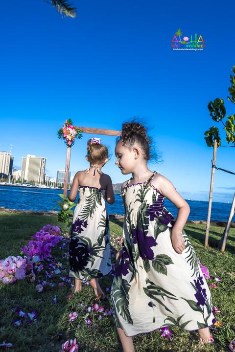 Vowrenewal-magicIsland-Hawaii-4-19.jpg