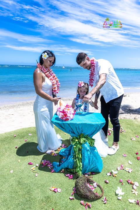 Wedding-Picture-at-Kahala-Beach-1A-226.jpg