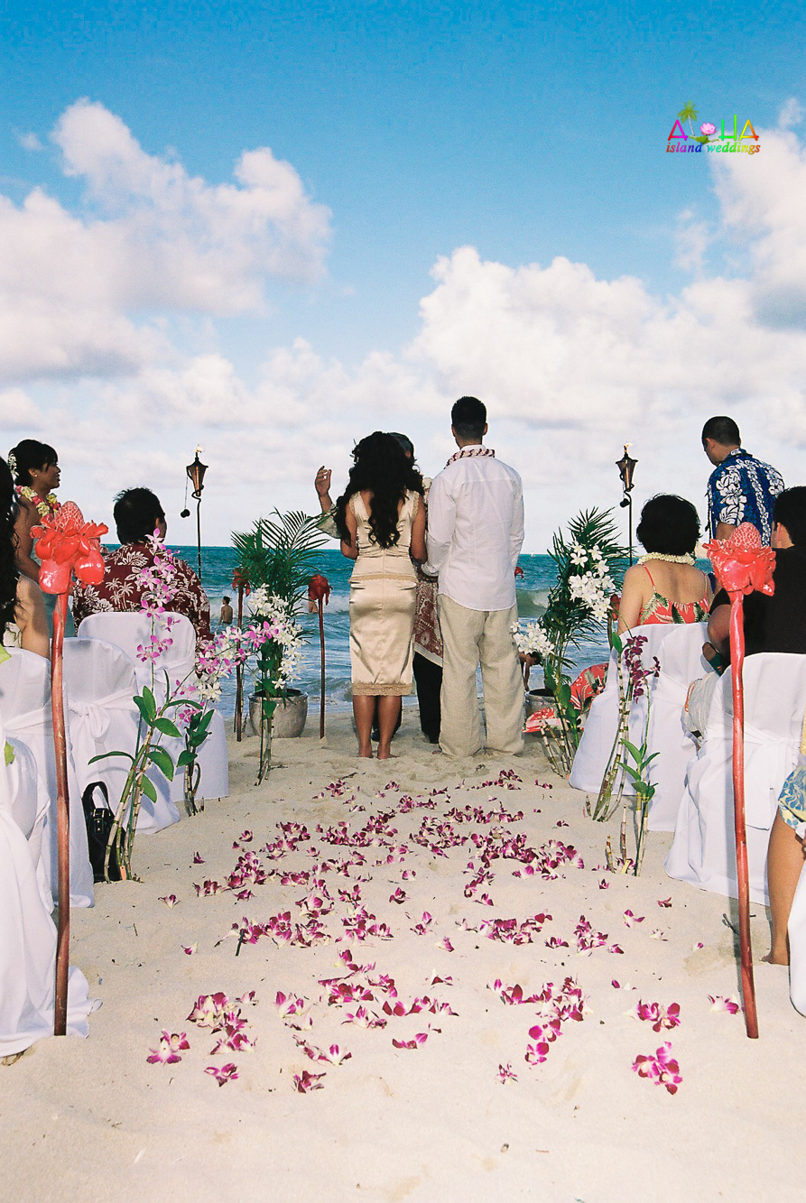 Beach wedding in Kailua-79