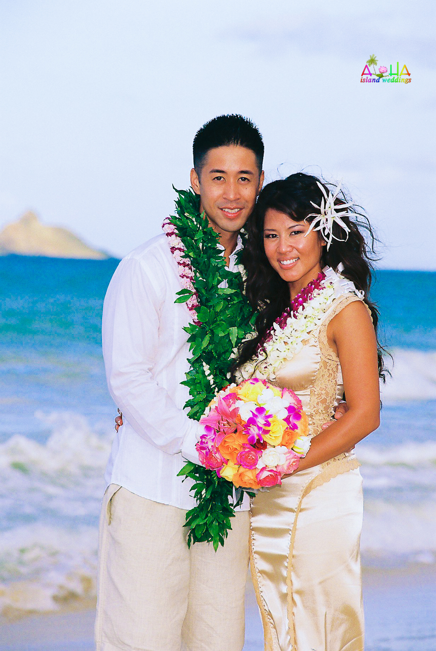 Beach wedding in Kailua-76