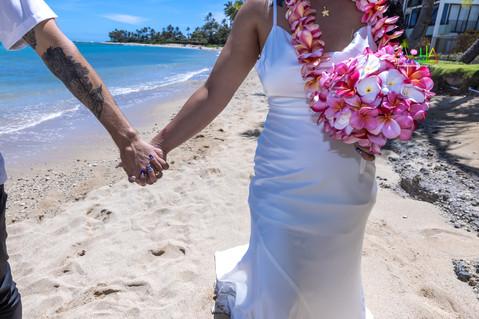 Wedding-Picture-at-Kahala-Beach-1A-352.jpg