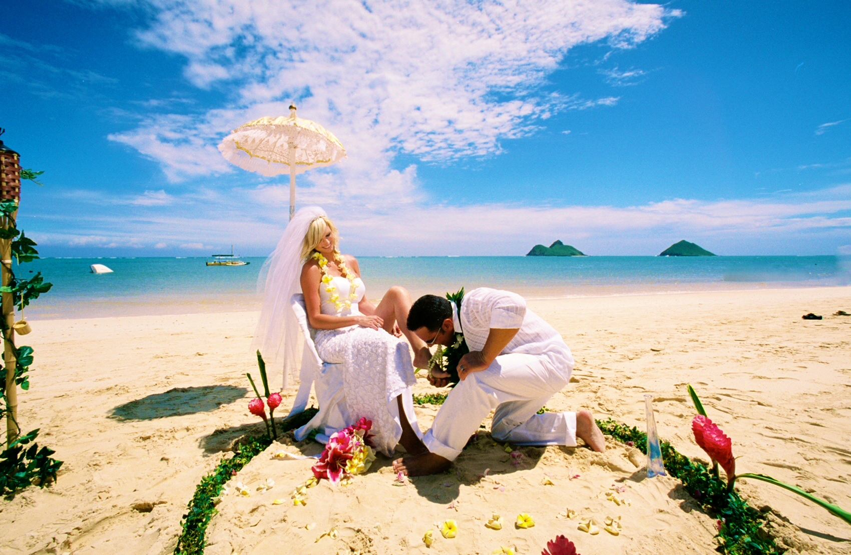 Alohaislandweddings- Lanikai wedding Picture -18