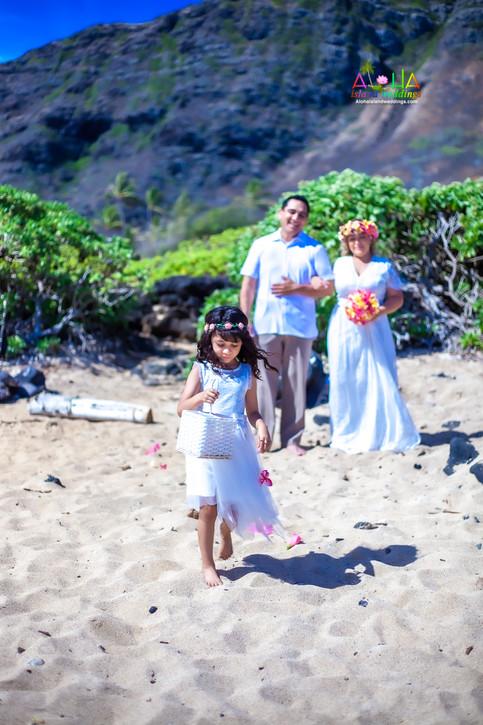 Vowrenewal-wedding-in-Hawaii-1-27.jpg