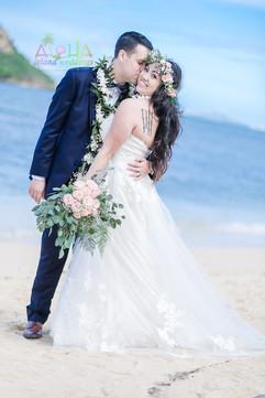 Honolulu-wedding-G&S-wedding-romance-17.