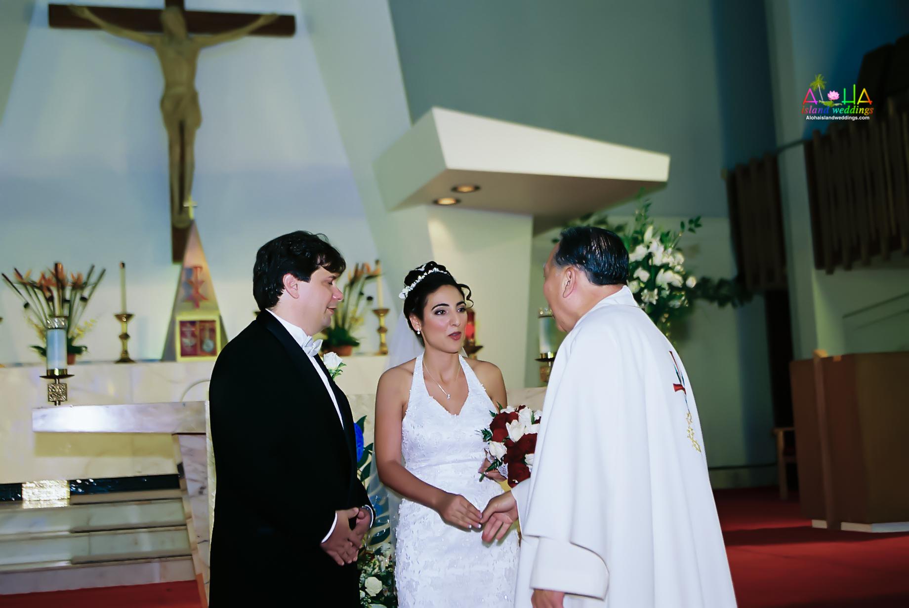 Hawaiian Church Wedding on Oahu-40