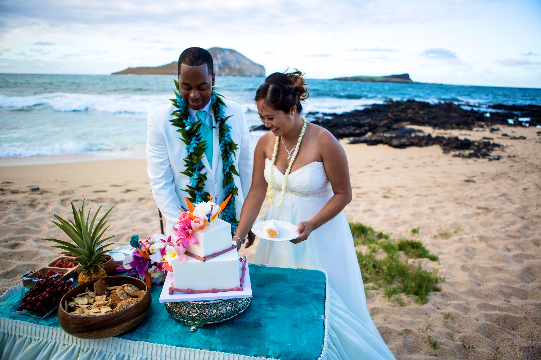 Alohaislandweddings.com- Ohana Oahu wedding-39
