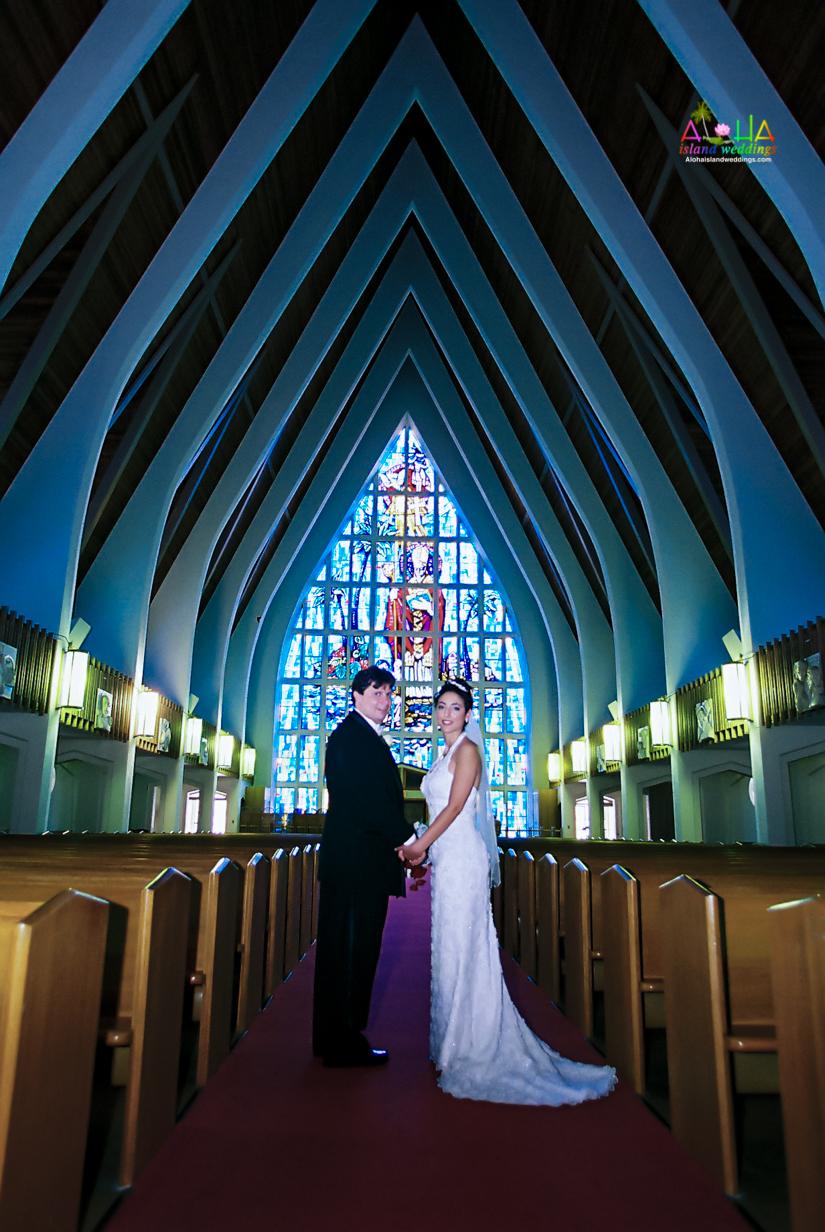 Hawaiian Church Wedding on Oahu-30