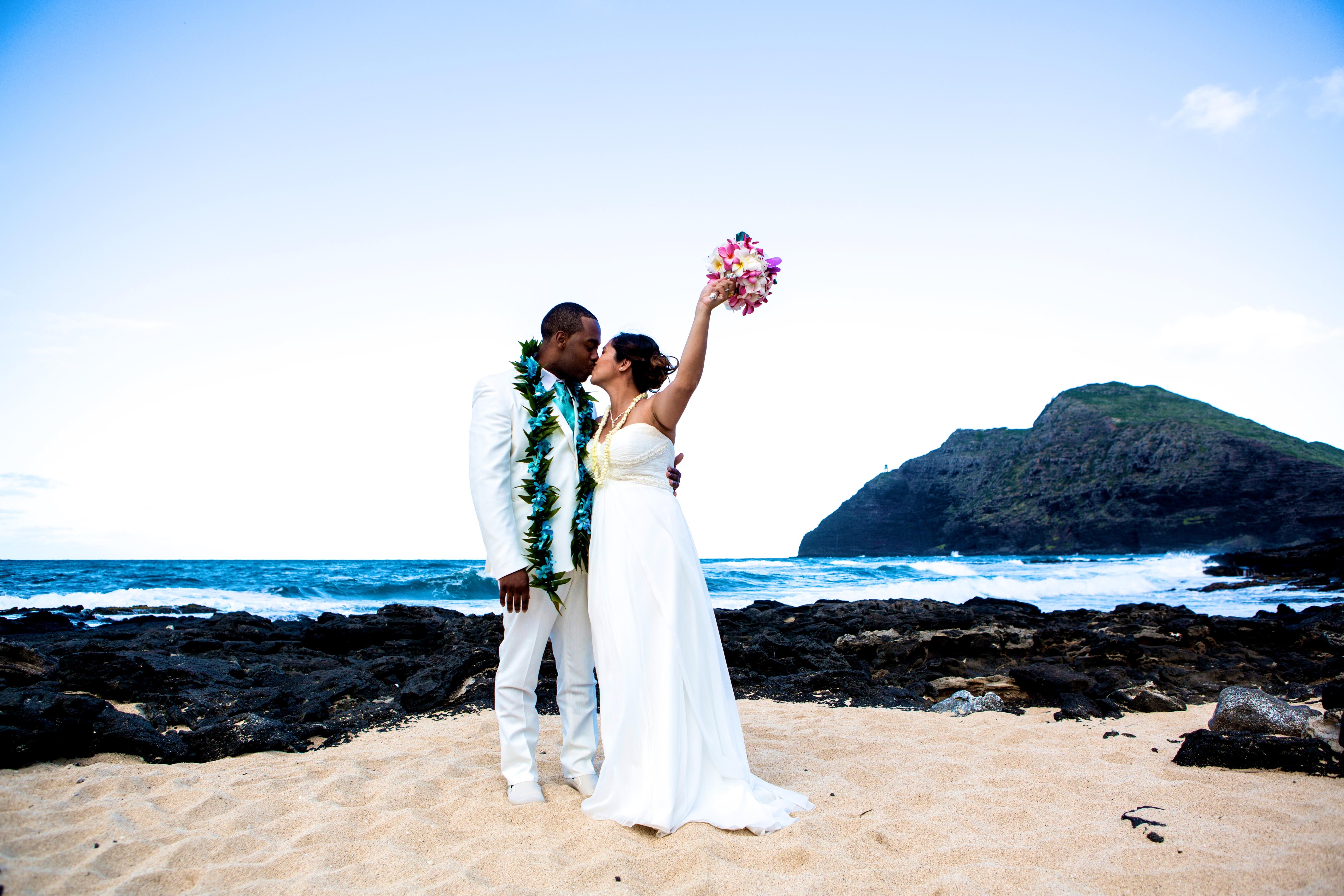 Alohaislandweddings.com- Ohana Oahu wedding-28