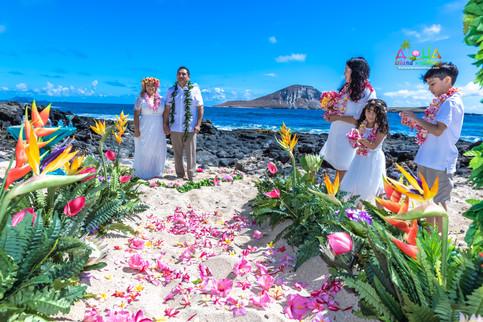 Vowrenewal-wedding-in-Hawaii-2-51.jpg