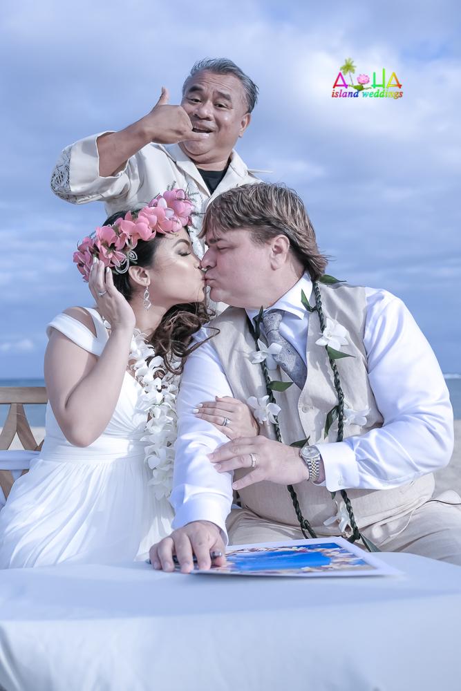 Waialae beach wedding-41