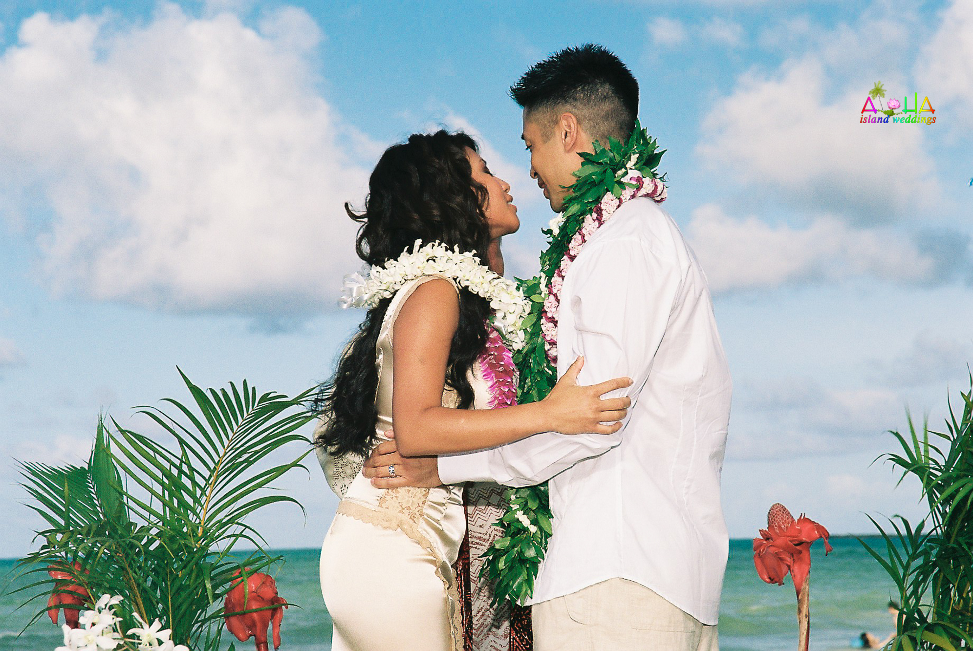 Beach wedding in Kailua-25